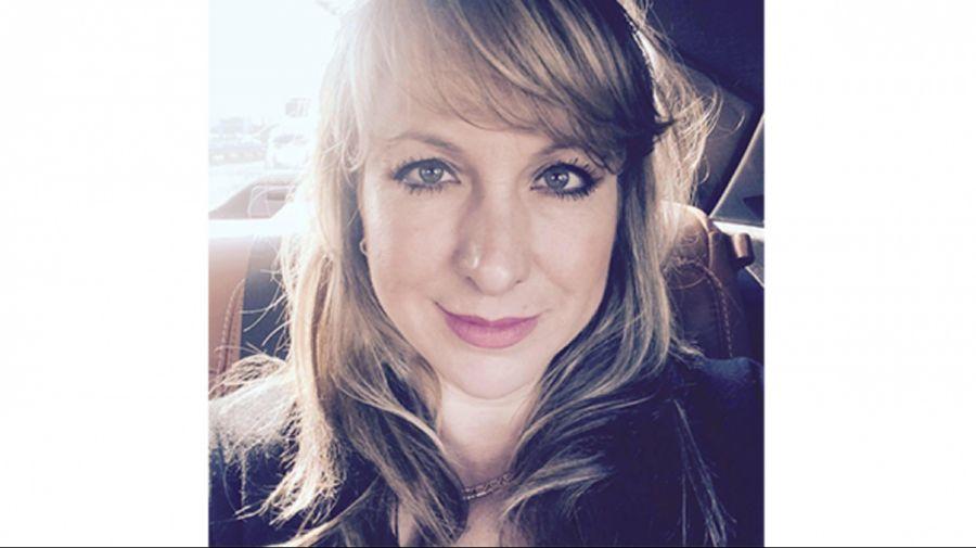Annie Deslauriers thérapeute en hypnose Ericksonnienne et accompagnatrice en PNL programmation neurolinguistique